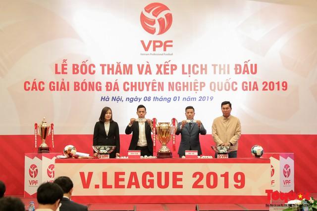 Lễ bốc thăm chính thức các giải bóng đá chuyên nghiệp quốc gia năm 2019 - Ảnh 1.
