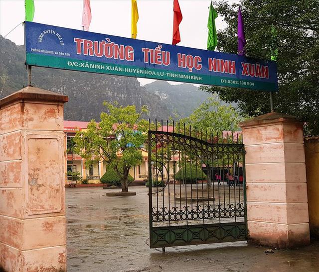 Hiệu trưởng trường Tiểu học Ninh Xuân xác nhận có học sinh bị chó cắn - Ảnh 1.