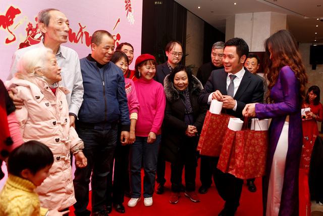 Rộn ràng sắc xuân sớm trong cộng đồng người Việt tại Thượng Hải - Ảnh 4.