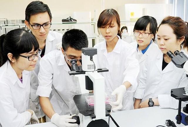 Bộ GDĐT phê duyệt hơn 100 tỉ đồng thực hiện các đề tài khoa học và công nghệ cấp bộ - Ảnh 1.