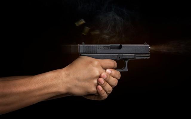 Dùng súng giải quyết mâu thuẫn, 1 người nhập viện  - Ảnh 1.