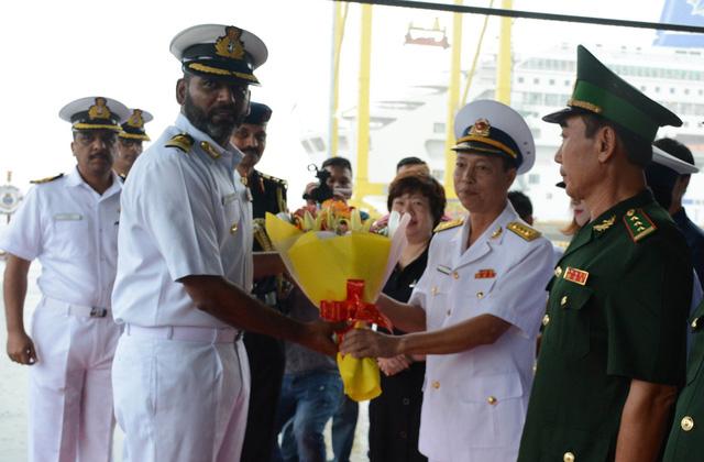 Tàu hải quân Ấn Độ tới Đà Nẵng - Ảnh 2.