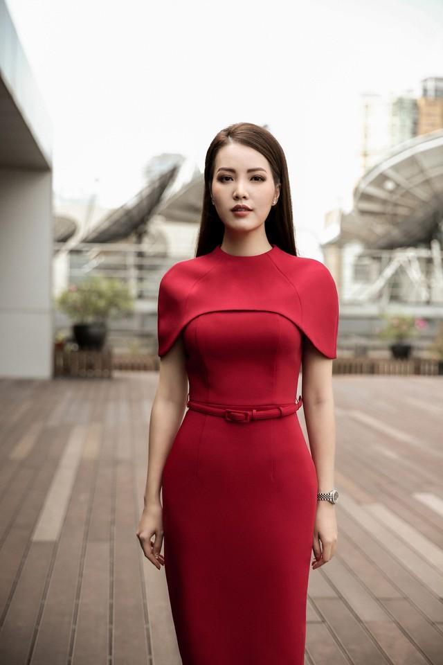 Á hậu Thụy Vân tiết lộ lý do không được phép mặc đồ hở trên VTV - Ảnh 1.