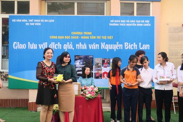 Giao lưu với dịch giả, nhà văn Nguyễn Bích Lan - Ảnh 4.