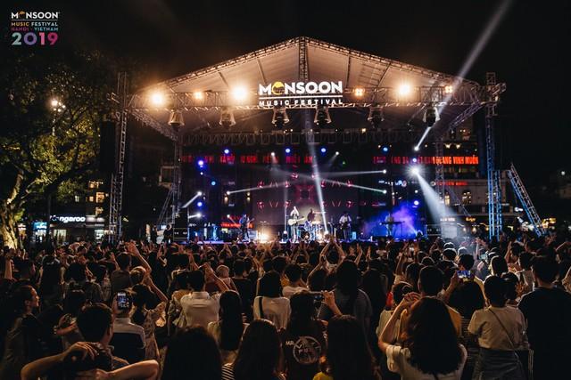 Hoàng Thùy Linh biểu diễn trong Lễ hội âm nhạc quốc tế gió mùa - Ảnh 1.