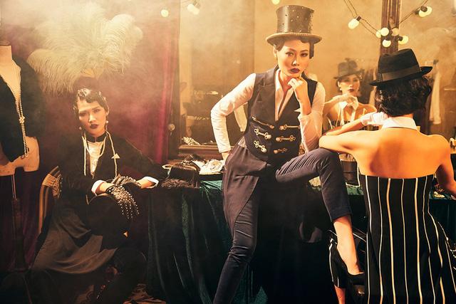 Quán quân Next Top Model Mai Giang mặc áo dài lấy cảm hứng từ tuxedo  - Ảnh 2.