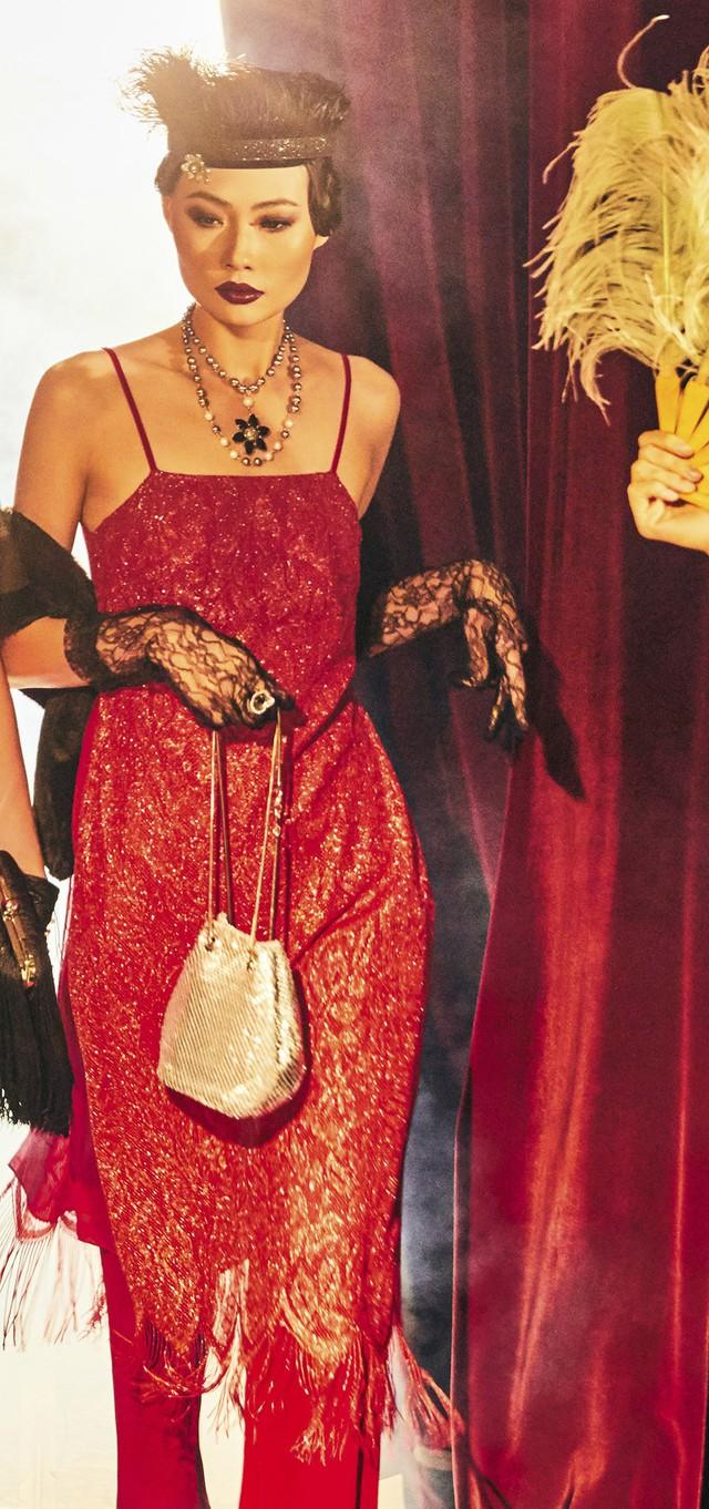Quán quân Next Top Model Mai Giang mặc áo dài lấy cảm hứng từ tuxedo  - Ảnh 4.