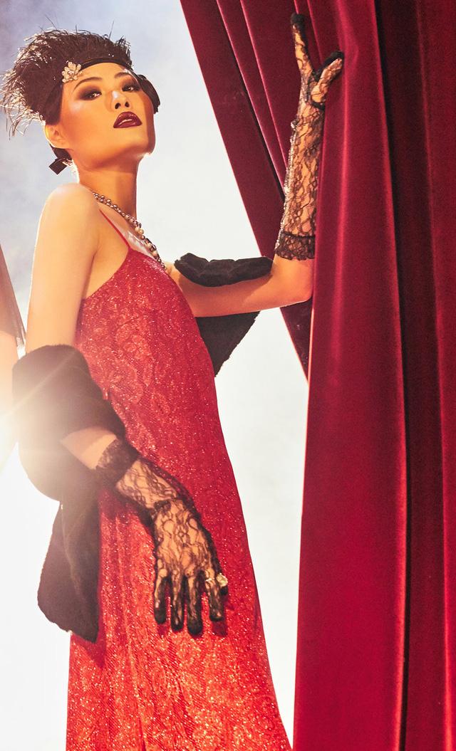 Quán quân Next Top Model Mai Giang mặc áo dài lấy cảm hứng từ tuxedo  - Ảnh 6.