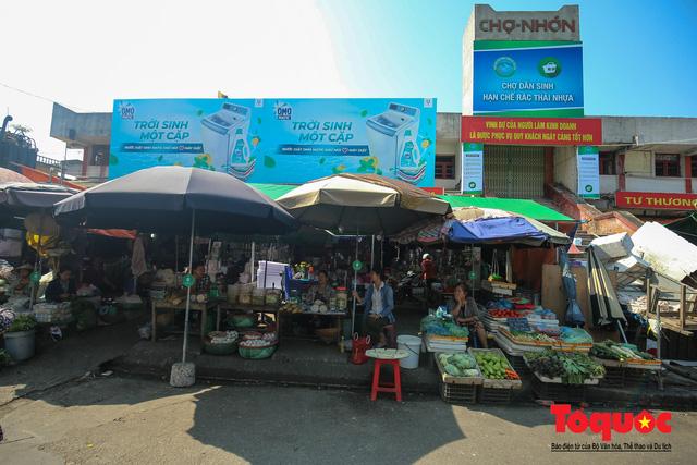 Khu chợ nói không dùng túi nilon đầu tiên tại miền Bắc - Ảnh 1.