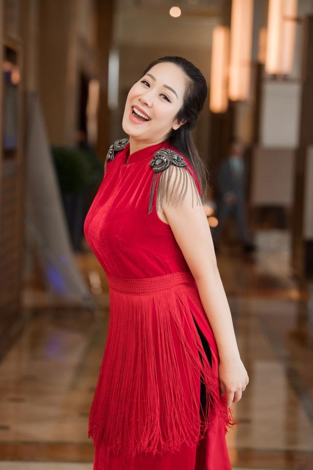 Hoa hậu Ngô Phương Lan kể chuyện bị tiền sản giật, ngủ ngồi 3 tháng liền - Ảnh 7.