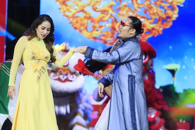 Cuộc đời nghệ sĩ sau cánh màn nhung được 'phơi' bày trên sân khấu - Ảnh 2.