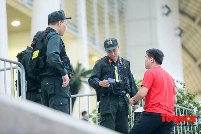 """An ninh """"nhiều lớp"""" được triển khai trước trận Việt Nam - UAE thuộc vòng loại thứ 2 Word Cup 2022 - Ảnh 5."""