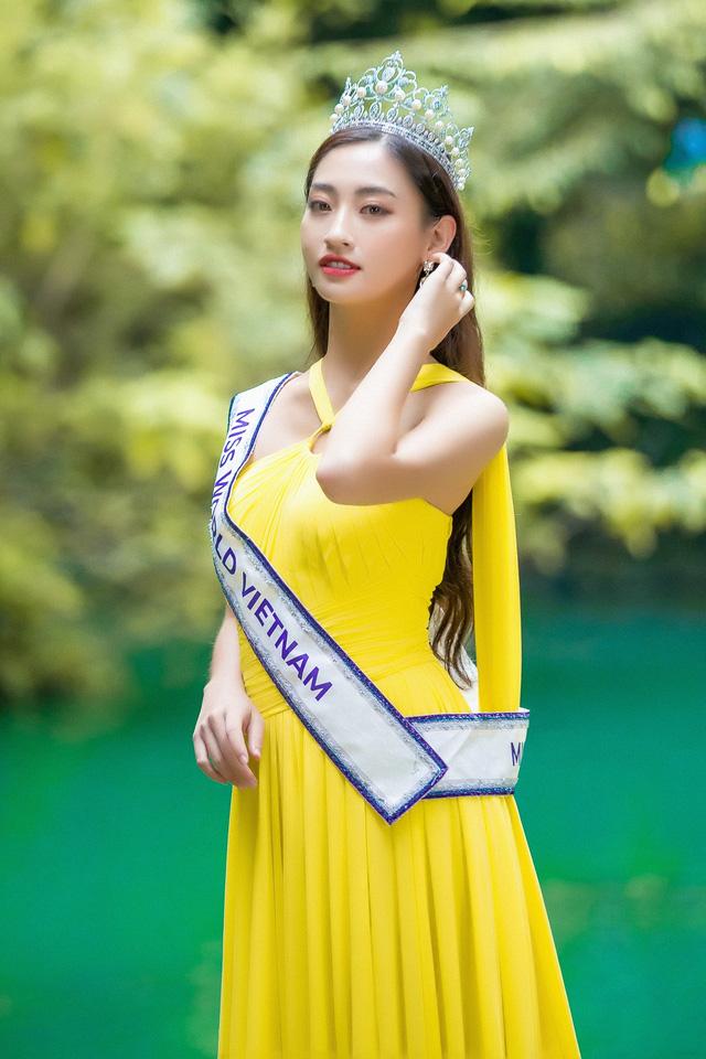 Hoa hậu Lương Thùy Linh hóa thiếu nữ dân tộc Tày đi chăn ngựa - Ảnh 5.