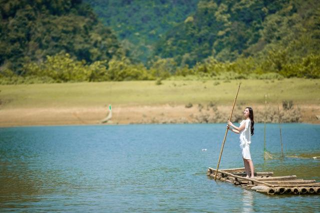 Hoa hậu Lương Thùy Linh hóa thiếu nữ dân tộc Tày đi chăn ngựa - Ảnh 6.