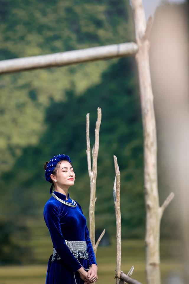 Hoa hậu Lương Thùy Linh hóa thiếu nữ dân tộc Tày đi chăn ngựa - Ảnh 7.
