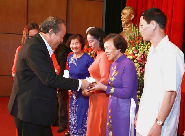 Phó Thủ tướng Trương Hòa Bình: Mỗi người dân, mỗi cộng đồng dân cư cần phát huy truyền thống đoàn kết, chung sức, đồng lòng - Ảnh 2.