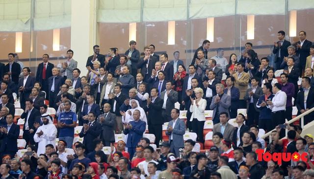 Thủ tướng, Chủ tịch Quốc hội dự khán trận đấu Việt Nam và UAE tại vòng loại World Cup 2022 - Ảnh 3.