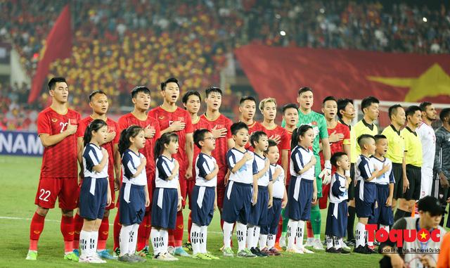 Thủ tướng, Chủ tịch Quốc hội dự khán trận đấu Việt Nam và UAE tại vòng loại World Cup 2022 - Ảnh 5.