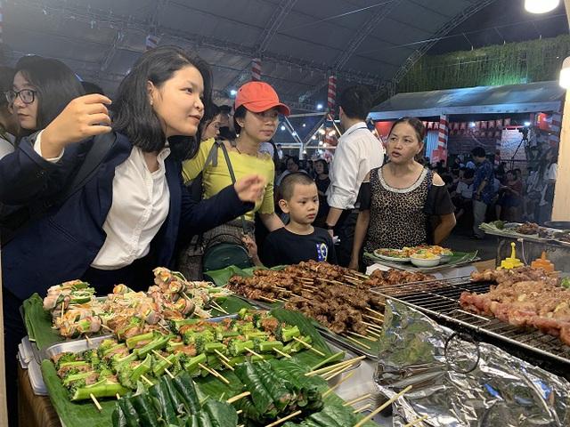 TP Hồ Chí Minh khai mạc Liên hoan ẩm thực món ngon các nước - Ảnh 1.