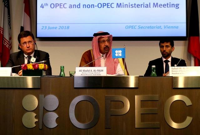 Thế trận năng lượng OPEC+: Cán cân bất ngờ Nga - Saudi - Ảnh 1.