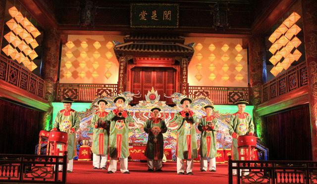 Thưởng thức các di sản văn hóa phi vật thể đã được UNESCO tôn vinh tại Thủ đô - Ảnh 1.