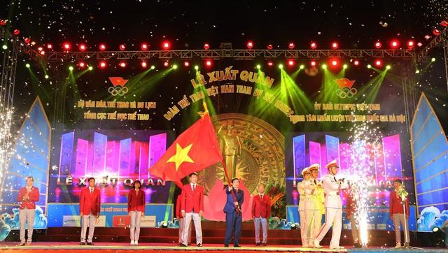 Bộ trưởng Nguyễn Ngọc Thiện thực hiện nghi lễ xuất quân Đoàn TTVN