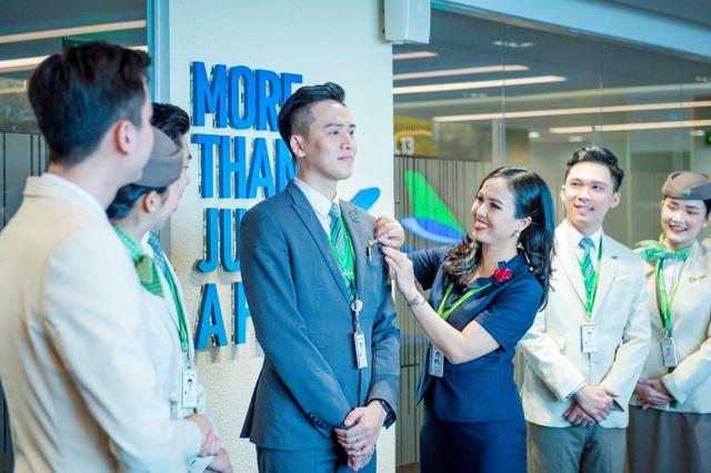 Hành trình chạm tới huy hiệu cánh bay (Kì I): Niềm tự hào của riêng tiếp viên hàng không Bamboo Airways - Ảnh 4.