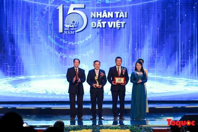Hình ảnh đêm trao giải Nhân tài Đất Việt 2019: Hành trình 15 năm tìm kiếm người tài Việt Nam - Ảnh 7.