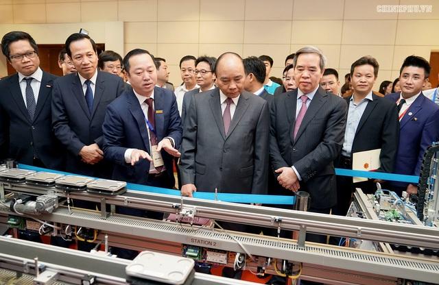 """Thủ tướng Nguyễn Xuân Phúc đề nghị Bộ LĐ-TBXH suy nghĩ thiết kế và đề xuất một """"hiệp ước xã hội"""" - Ảnh 2."""
