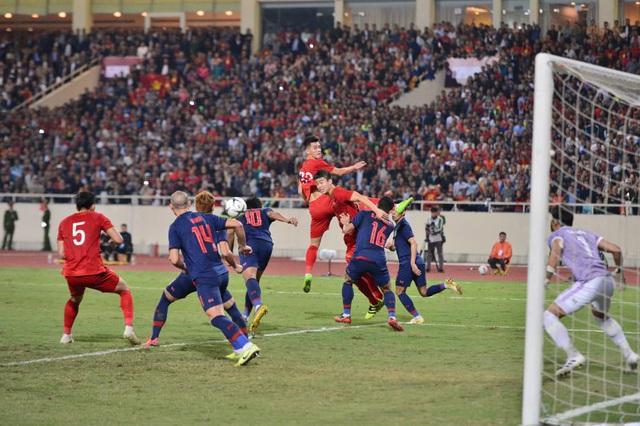 [Trực tiếp] Trận đấu Việt Nam vs ĐT Thái Lan: Chia điểm tiếc nuối, ĐT Việt Nam tiếp tục dẫn đầu bảng - Ảnh 1.