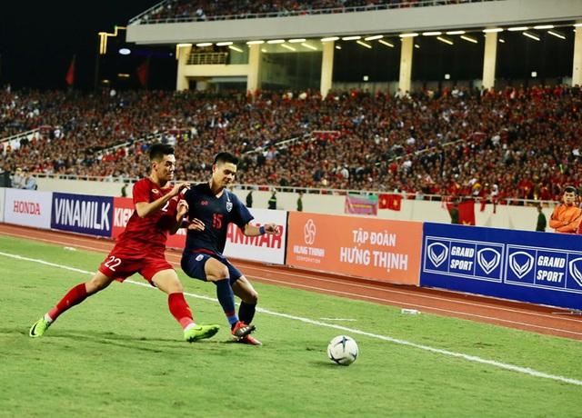 [Trực tiếp] Trận đấu Việt Nam vs ĐT Thái Lan: Chia điểm tiếc nuối, ĐT Việt Nam tiếp tục dẫn đầu bảng - Ảnh 3.
