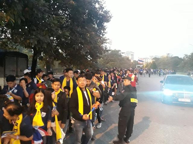 [Trực tiếp] Trận đấu Việt Nam vs ĐT Thái Lan: Tiến Linh, Quang Hải, Văn Toàn trên hàng công - Ảnh 7.