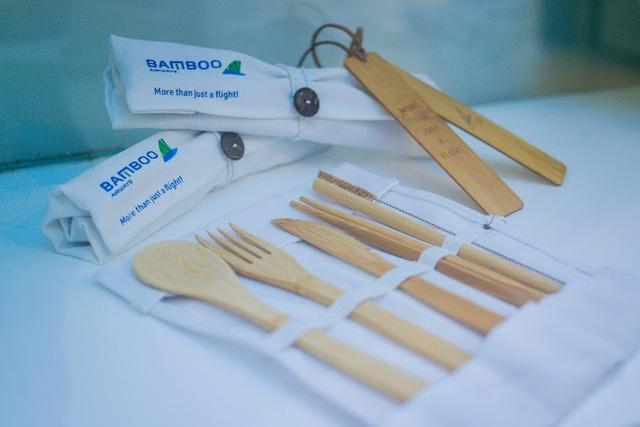 """Lạc vào """"vũ trụ xanh"""" cùng những món đồ lưu niệm tại Phòng vé Bamboo Airways 30 Tràng Tiền - Ảnh 3."""
