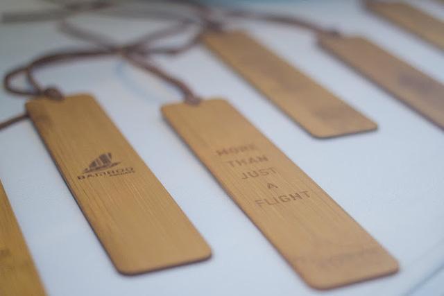 """Lạc vào """"vũ trụ xanh"""" cùng những món đồ lưu niệm tại Phòng vé Bamboo Airways 30 Tràng Tiền - Ảnh 4."""