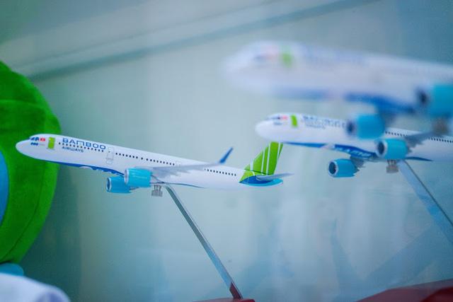 """Lạc vào """"vũ trụ xanh"""" cùng những món đồ lưu niệm tại Phòng vé Bamboo Airways 30 Tràng Tiền - Ảnh 5."""