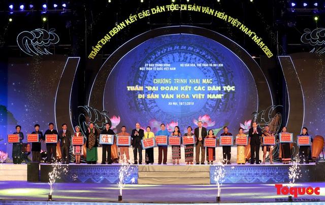 """Hình ảnh ấn tượng trong lễ khai mạc Tuần """"Đại đoàn kết các dân tộc - Di sản Văn hoá Việt Nam"""" năm 2019 - Ảnh 5."""