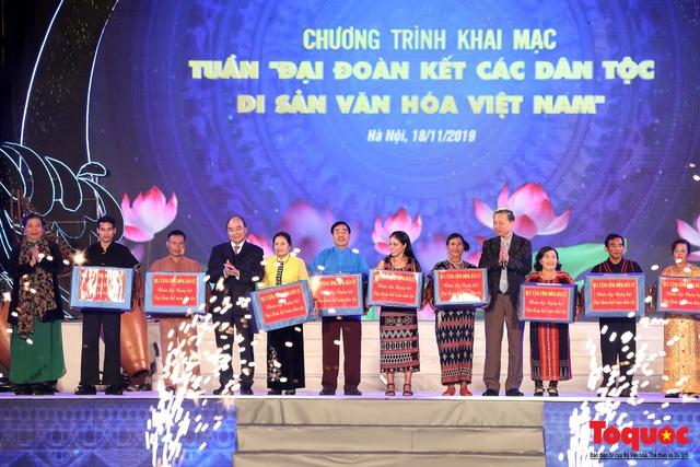 """Hình ảnh ấn tượng trong lễ khai mạc Tuần """"Đại đoàn kết các dân tộc - Di sản Văn hoá Việt Nam"""" năm 2019 - Ảnh 6."""