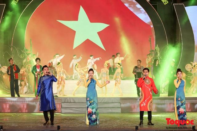 """Hình ảnh ấn tượng trong lễ khai mạc Tuần """"Đại đoàn kết các dân tộc - Di sản Văn hoá Việt Nam"""" năm 2019 - Ảnh 17."""