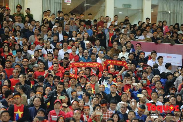 Lãnh đạo Đảng và Nhà nước dự khán trận Việt Nam - Thái Lan vòng loại thứ 2 Word Cup 2022 - Ảnh 6.