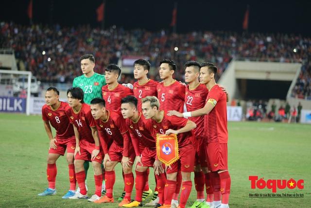 Lãnh đạo Đảng và Nhà nước dự khán trận Việt Nam - Thái Lan vòng loại thứ 2 Word Cup 2022 - Ảnh 3.