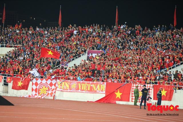Lãnh đạo Đảng và Nhà nước dự khán trận Việt Nam - Thái Lan vòng loại thứ 2 Word Cup 2022 - Ảnh 2.