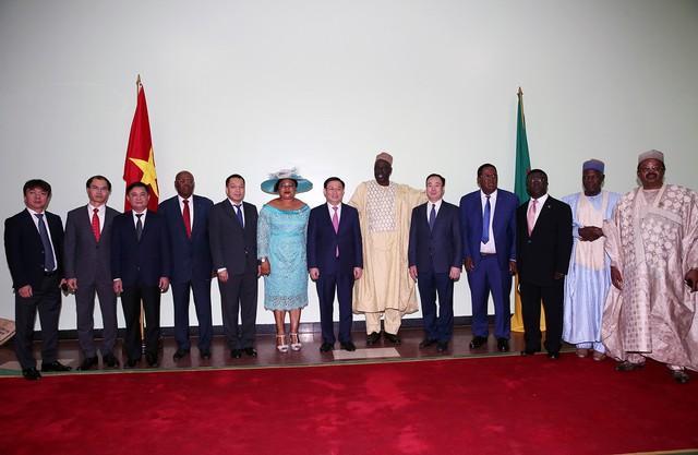 Thủ tướng Cameroon Joseph Dion Ngute đánh giá tăng trưởng của Việt Nam là kỳ tích  - Ảnh 5.
