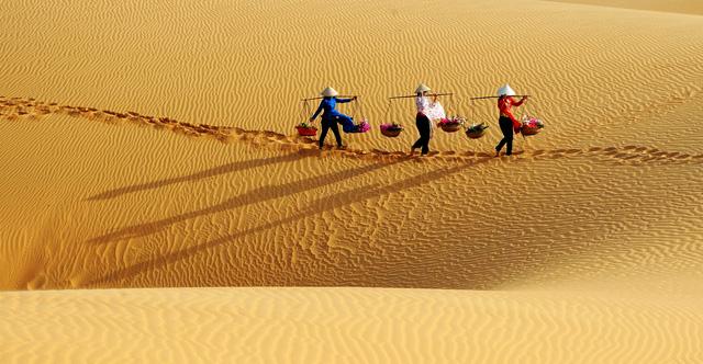 Xấp hạng di tích cấp tỉnh cho thắng cảnh Đồi cát bay Mũi Né - Ảnh 1.