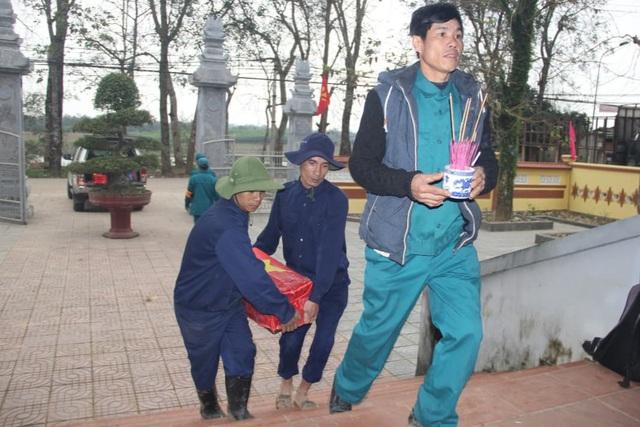 Quảng Trị: Phát hiện 4 hài cốt liệt sỹ cùng nhiều di vật tại vườn nhà người dân - Ảnh 1.