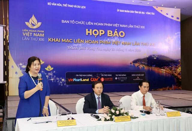 Dàn giám khảo xuất hiện trong họp báo Liên hoan phim Việt Nam lần thứ XXI tại Vũng Tàu - Ảnh 2.