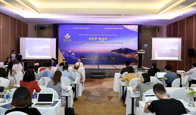 Dàn giám khảo xuất hiện trong họp báo Liên hoan phim Việt Nam lần thứ XXI tại Vũng Tàu - Ảnh 1.