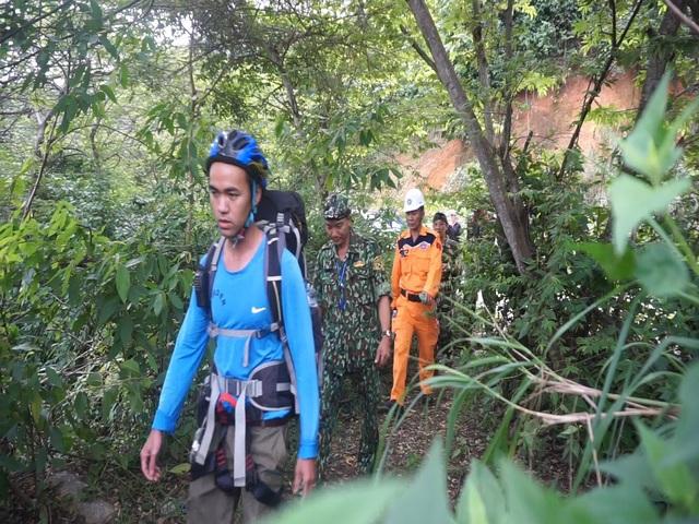 Tìm kiếm du khách nước ngoài mất tích trên bán đảo Sơn Trà - Ảnh 3.