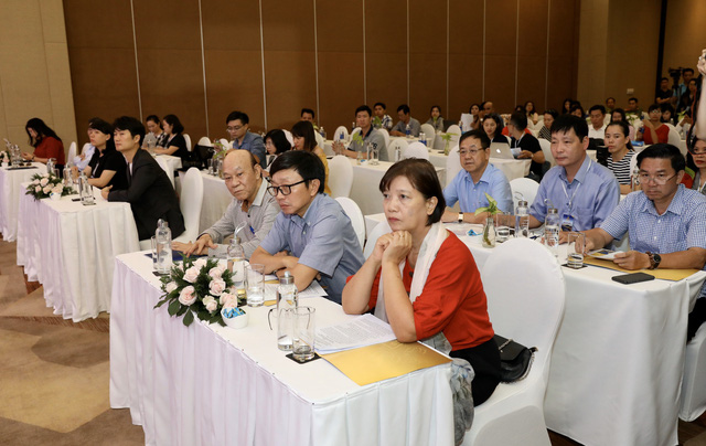 Dàn giám khảo xuất hiện trong họp báo Liên hoan phim Việt Nam lần thứ XXI tại Vũng Tàu - Ảnh 3.