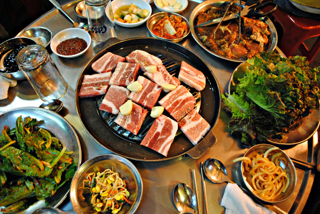 Du lịch Hàn Quốc đón tuyết đầu mùa đừng quên nếm thử 4 món ăn trứ danh này - Ảnh 1.