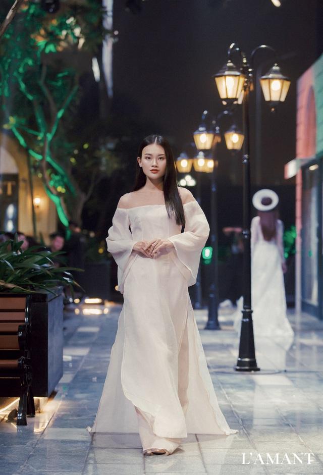 Lệ Quyên bất ngờ trình diễn thời trang tại show thời trang áo cưới L'amant - Ảnh 8.